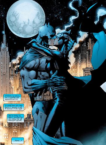 Hush-610-Bat-Cat-Kiss.png