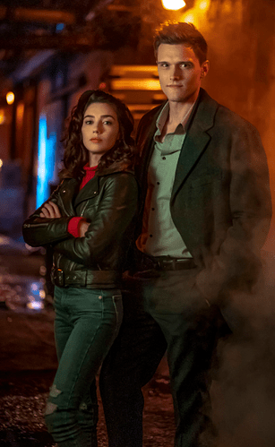 screencapture-syfy-syfywire-elongated-man-finally-meets-future-wife-sue-dearbon-in-new-pics-from-the-flash-2020-02-18-08_54_43
