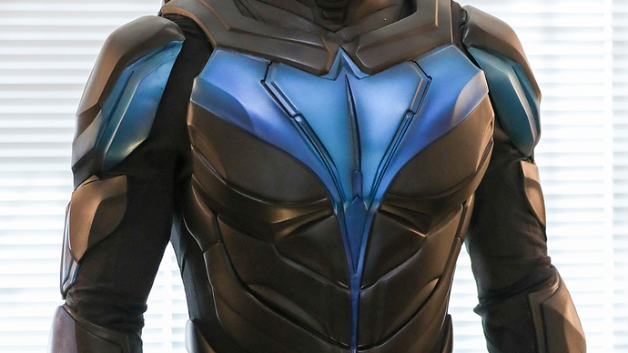 nightwing-suit-1