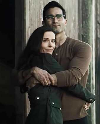 Screenshot_2021-02-21 Superman and Lois - Google Search